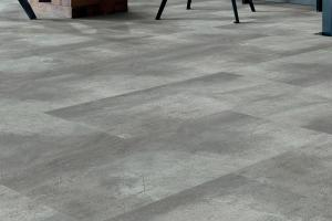 Luxury Vinyl Tile / 4235